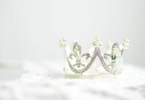 Sparkly crown with white background